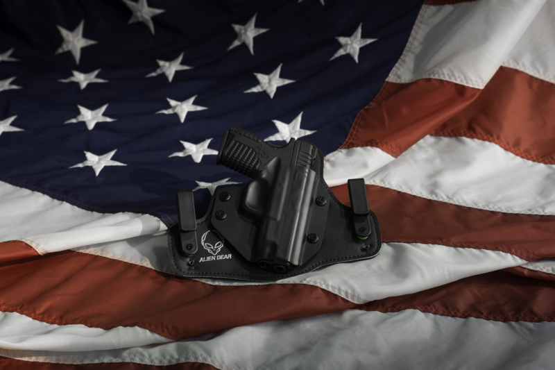 Gun_Holster_with_United_States_Flag
